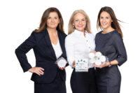 Foto: ©Thomsen-Photography: Das Team von Tatschl-Medizintechnik: Sabina Wiesinger-Tatschl und Lisa Baraldi-Tatschl, Geschäftsführung, Julia Ratzenböck-Tatschl, Projektmanagement